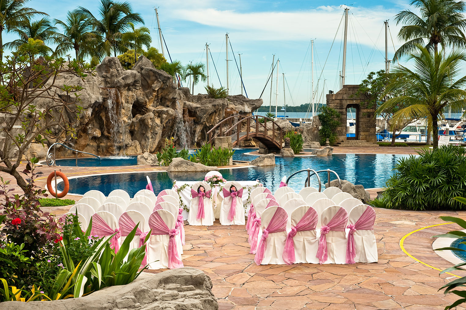 outdoor wedding rom venue singapore raffles marina